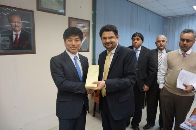 20150308パキスタン出張イスマイル投資庁長官1