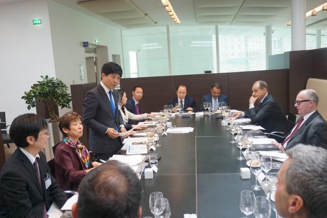 パリ各国OECD大使と懇談 (1)